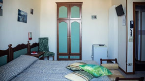 Sea view rooms in Fano | Sea view rooms in Pesaro - 1