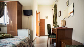 Sea view rooms in Fano | Sea view rooms in Pesaro - 9