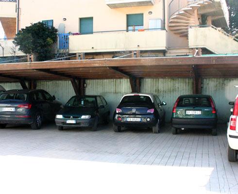 Hotel Ristorante Marinella - Parcheggio e garage